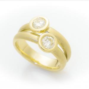 Prsten od žutog zlata