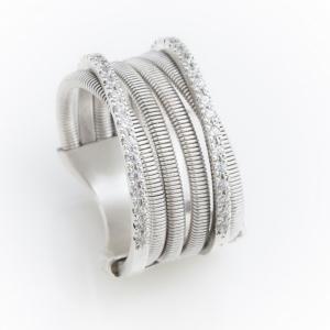 Moderan prsten od belog zlata sa brilijantima