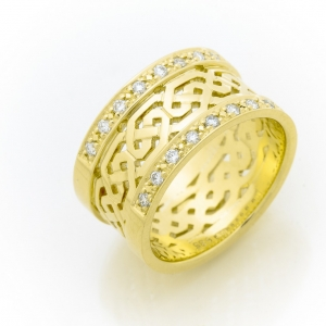 Široki prsten od žutog zlata sa brilijantima