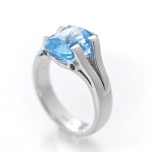 Egyedi gyűrű topázzal