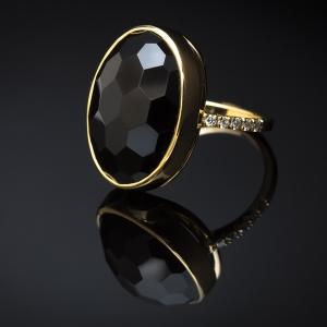 Luksuzni prsten sa oniksom i brilijantima