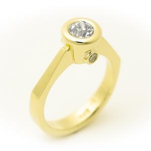 Prsten sa dijamantima