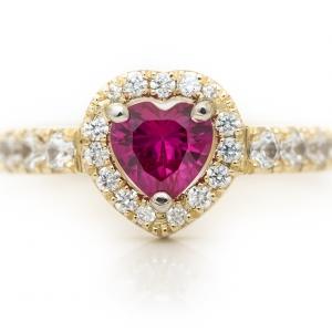 Szív alakú arany gyűrű