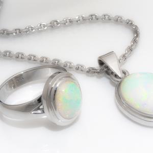 Opál nyaklánc és gyűrű