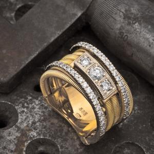Elegantni zlatni prsten sa brilijantima